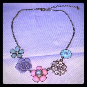 Very pretty Lauren Conrad necklace
